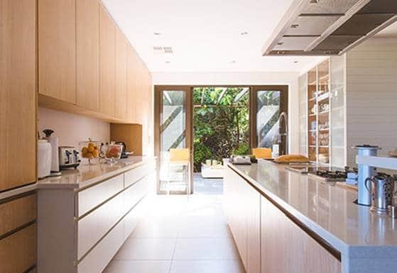 Wir nutzen die gesamte Höhe des Raumes - WeyFra Individuelle Küchenplanung