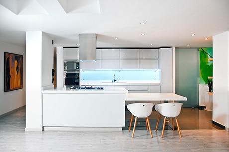 Wir nutzen die Gesamte Breite Ihres Raumes - Individuelle Küchenplanung