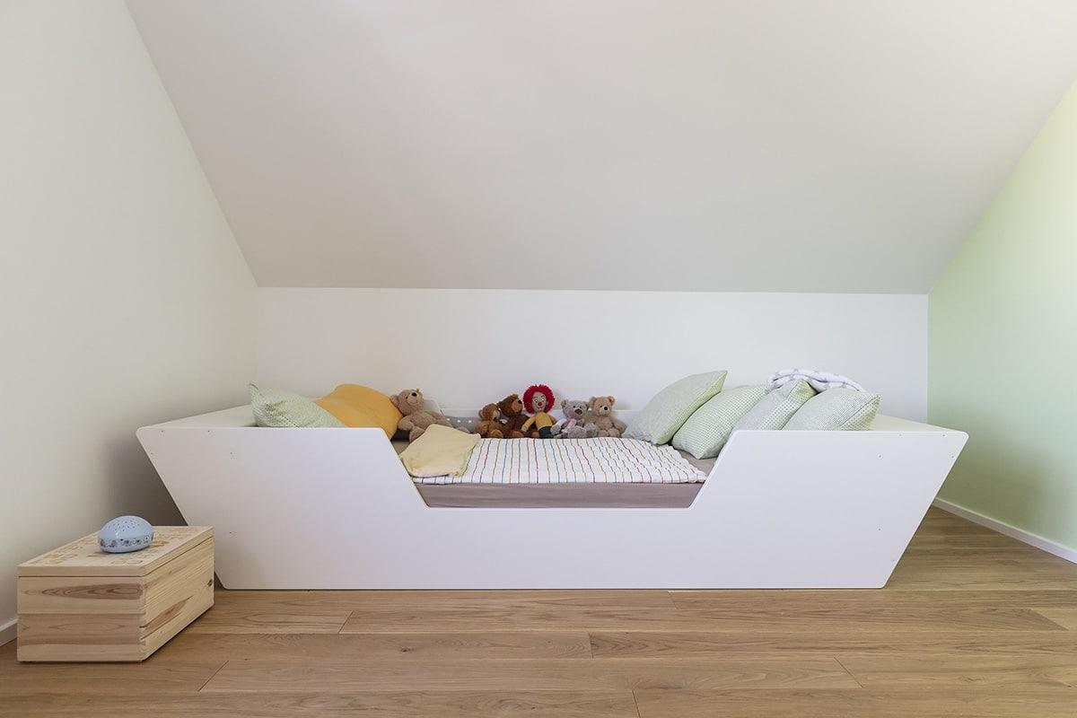 WeyFra Schreinerei Ludwigsburg Kinderbett mit Sicherheitstuere