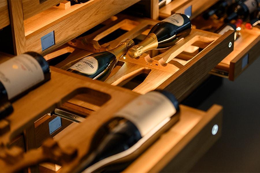 Weinregal VinoVIAVAI Ansicht Wein liegend